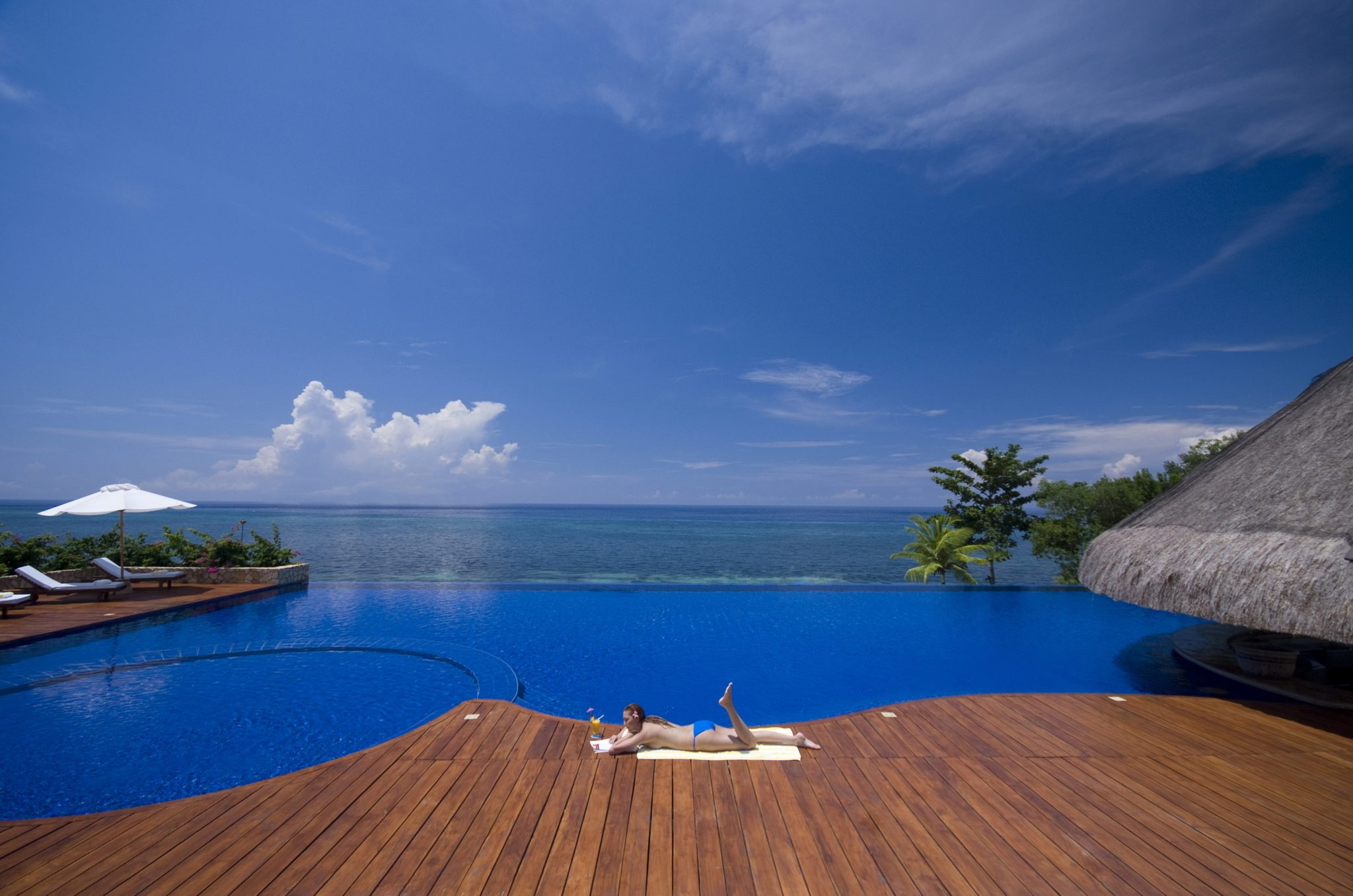 Eskaya beach resort spa philippines infinity pools - Infinity pool europe ...