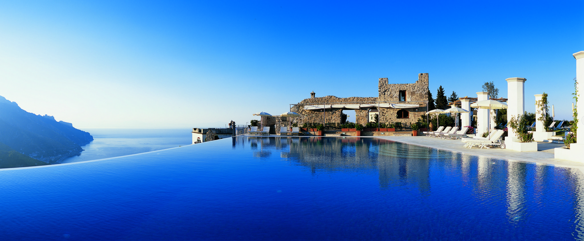 Hotel caruso italy infinity pools for Hotels in ravello with swimming pool