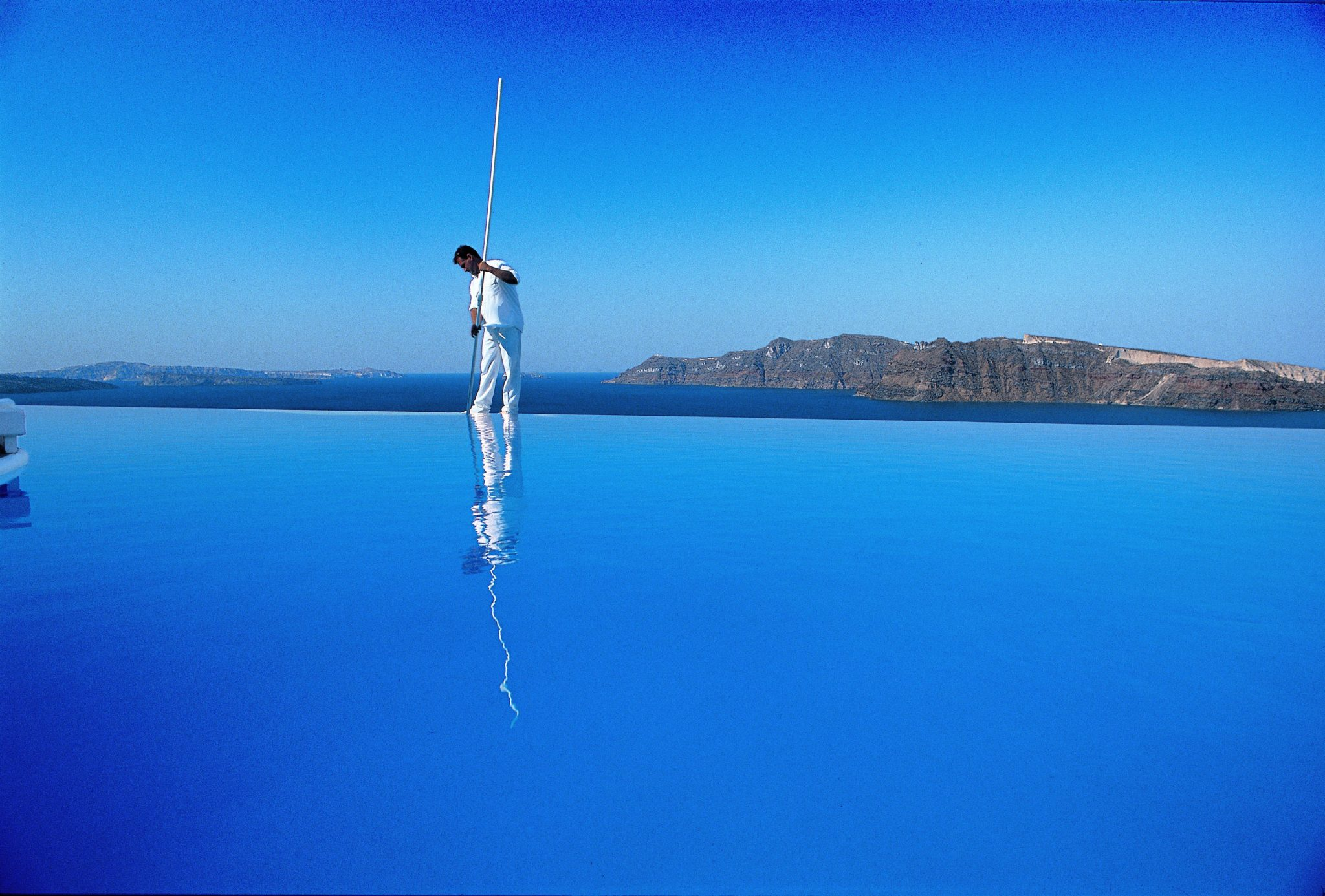 Katikies hotel greece infinity pools - Infinity pool europe ...