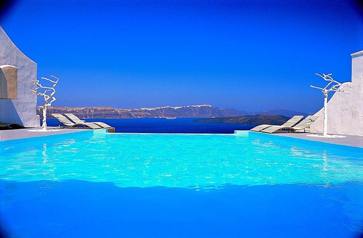infinity pool overlooking ocean - photo #39