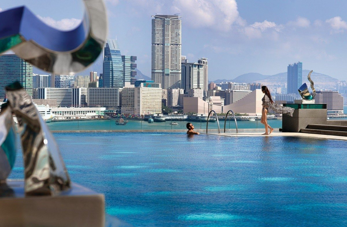 four seasons hong kong city infinity pool