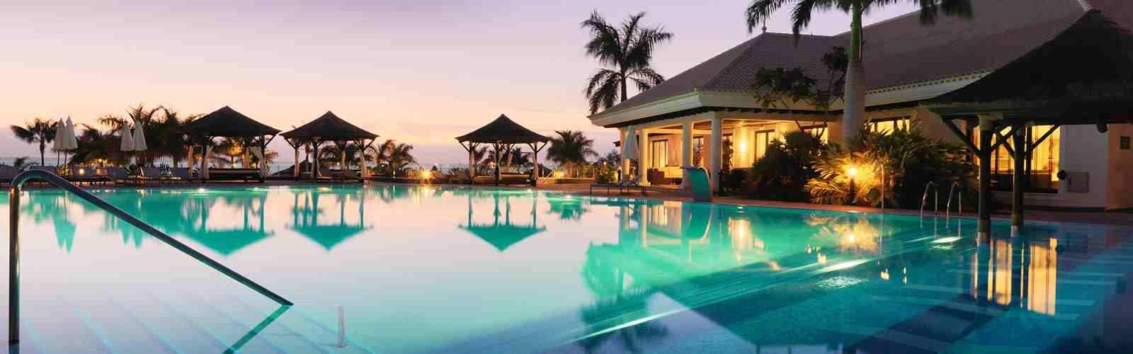 Gran melia palacio de isora tenerife infinity pools for Melia hotel tenerife