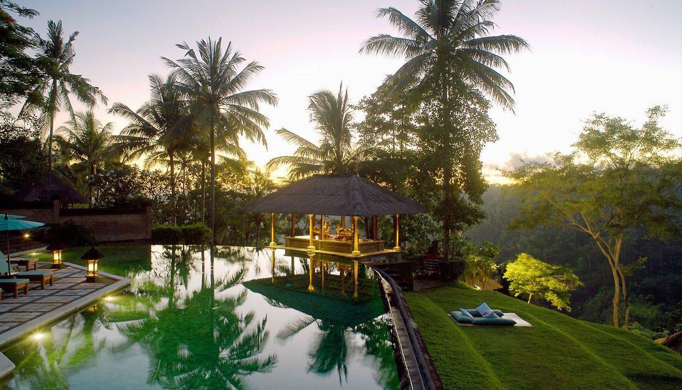 Amandai Bali Indonesia Infinity Pools